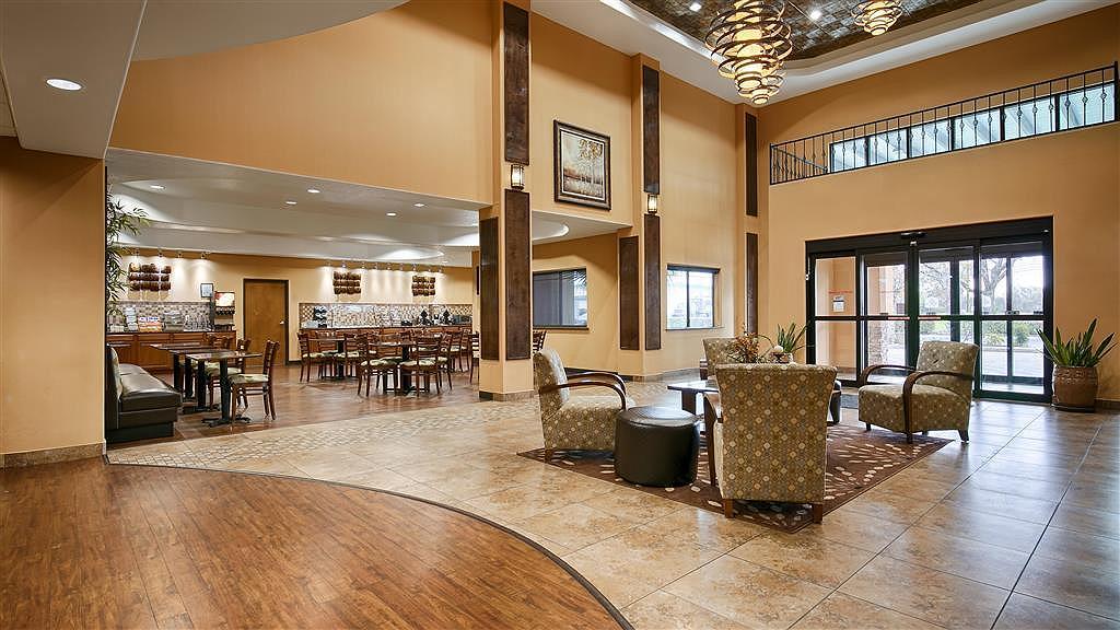 Hotel In San Antonio | Best Western Plus Palo Alto Inn & Suites With Regard To Porch & Den Park Point Blush 24 Inch Tier Pairs (#9 of 30)