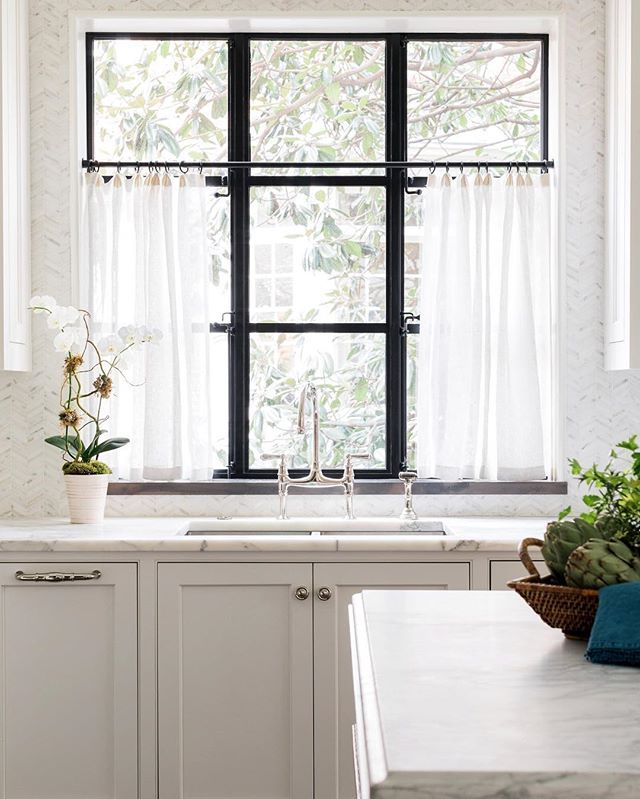 I Am All Over Cafe Curtains In Sheer Linen! Everyone Has An Pertaining To Linen Stripe Rod Pocket Sheer Kitchen Tier Sets (#21 of 46)