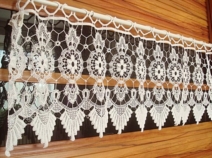 Knitted Curtains (57 Photos): Choose Curtains With Macrame Regarding Marine Life Motif Knitted Lace Window Curtain Pieces (#17 of 48)