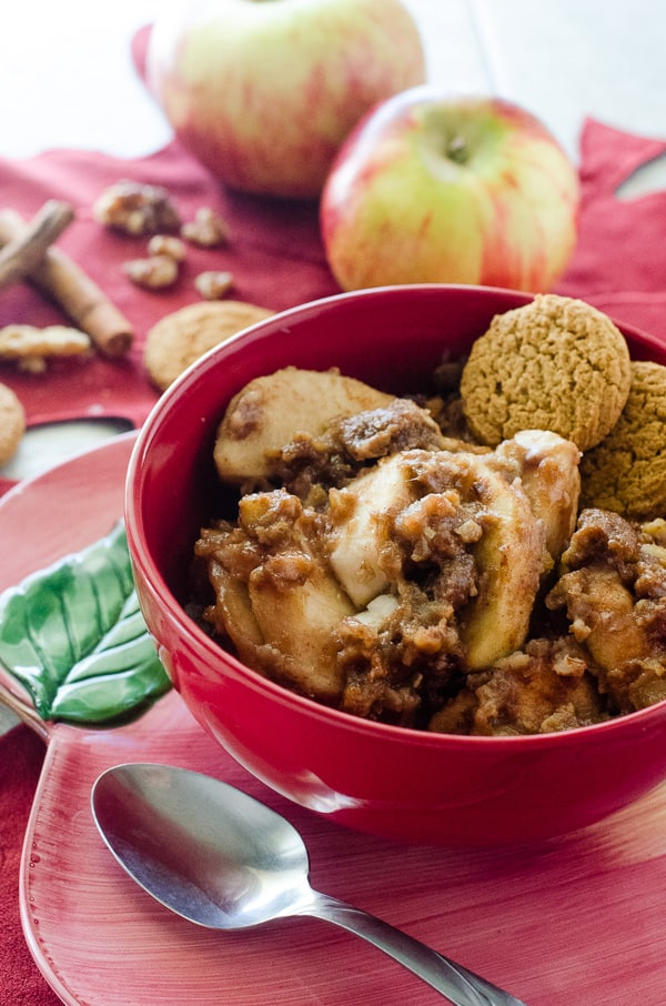 Slow Cooker Apple Gingerbread Crumble Intended For Apple Orchard Printed Kitchen Tier Sets (View 42 of 50)