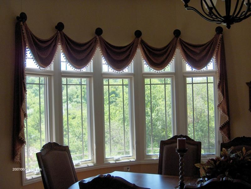 Valance On Medallions, Bay Window | W I N D O W S | Valance Intended For Medallion Window Curtain Valances (#46 of 48)