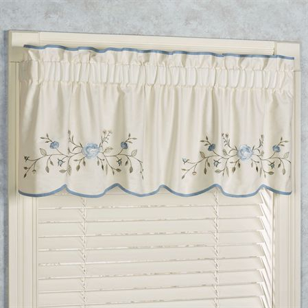 Vintage Charm Quilted Daybed Bedding Set Closeout | Bed Inside Coffee Drinks Embroidered Window Valances And Tiers (View 44 of 45)