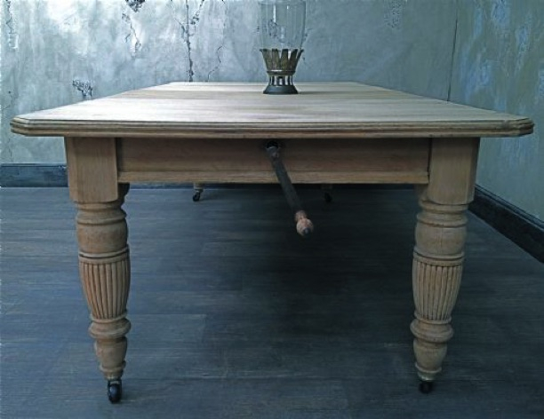 Well Known Late 19Th Century Bleached Oak Extending Dining Table With Reed Extending Dining Tables (View 24 of 30)