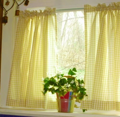 Yellow Gingham Kitchen/café Curtain (Unlined Or With White Inside Country Style Curtain Parts With White Daisy Lace Accent (View 50 of 50)