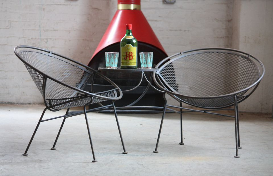 A Guide To Buying Vintage Patio Furniture Within 1 Person Antique Black Iron Outdoor Swings (#2 of 20)
