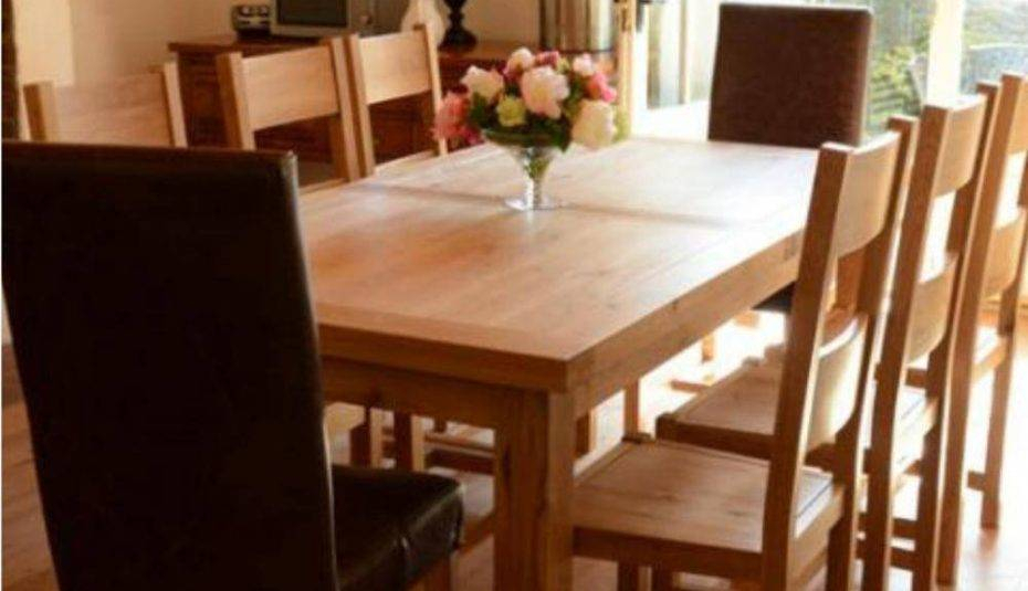 Best And Newest Solid Oak Round Dining Table Chairs Room And Wood Extending Intended For Solid Wood Circular Dining Tables White (View 20 of 20)