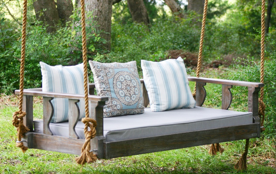 Best Porch Swings Reviews (45+ Outdoor Swings) 2020 With Regard To Lamp Outdoor Porch Swings (View 3 of 20)
