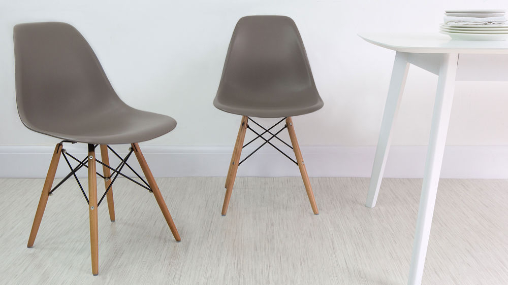 Ellie White Extending And Eames Style Dining Set Intended For 2020 Eames Style Dining Tables With Wooden Legs (#9 of 20)
