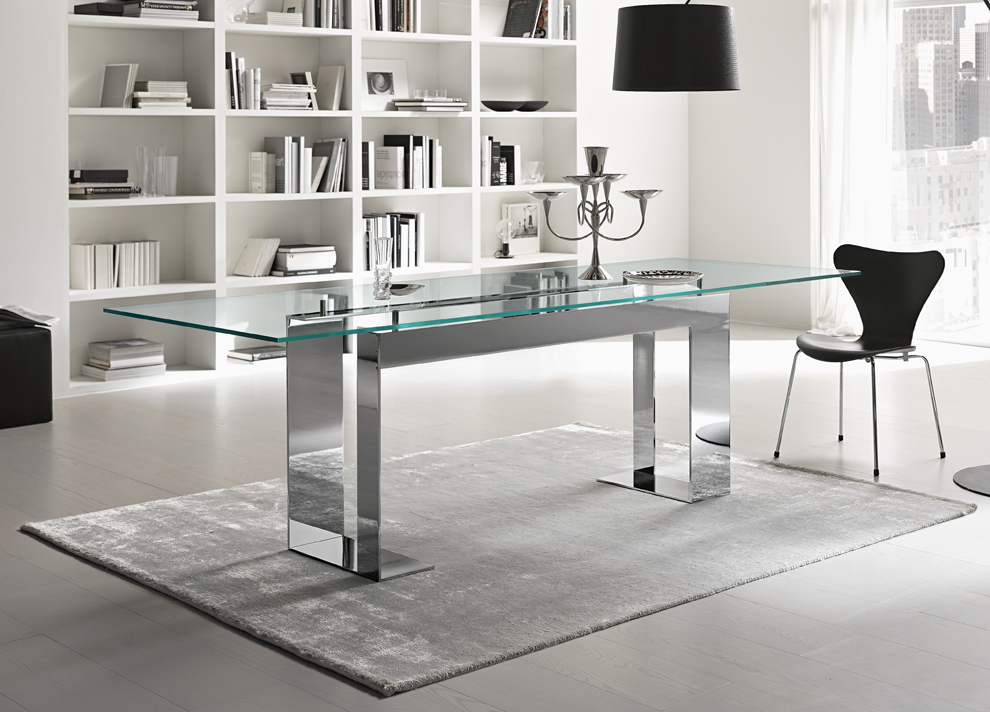 Glass Top Condo Dining Tables Throughout Best And Newest Tonelli Miles Glass & Chrome Dining Table (#11 of 20)