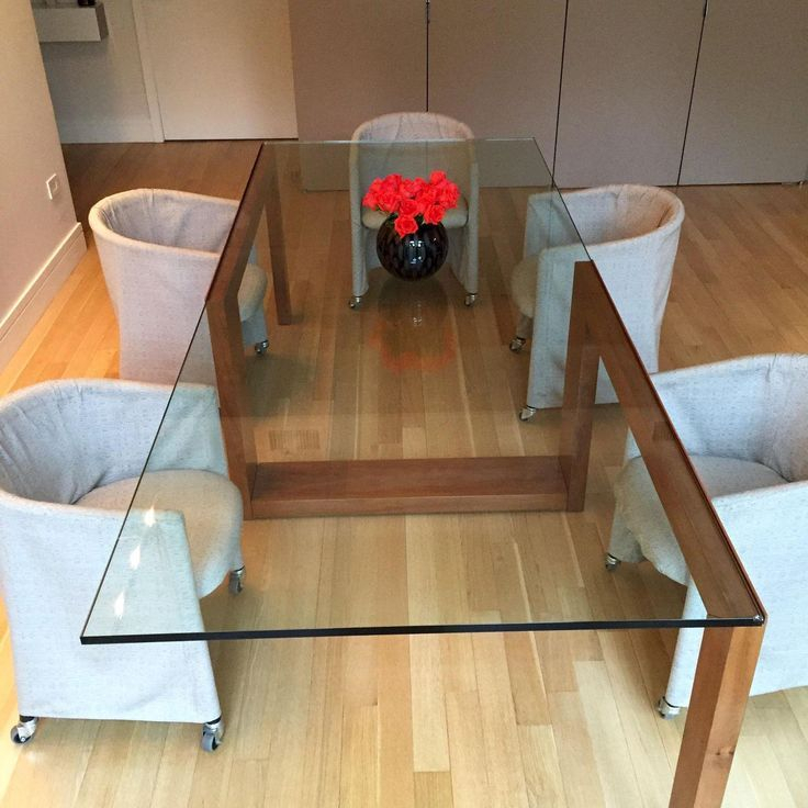 Glass Top Condo Dining Tables With Regard To Famous Bild Des Zeitgenössischen Glass Top Dining Table (#12 of 20)