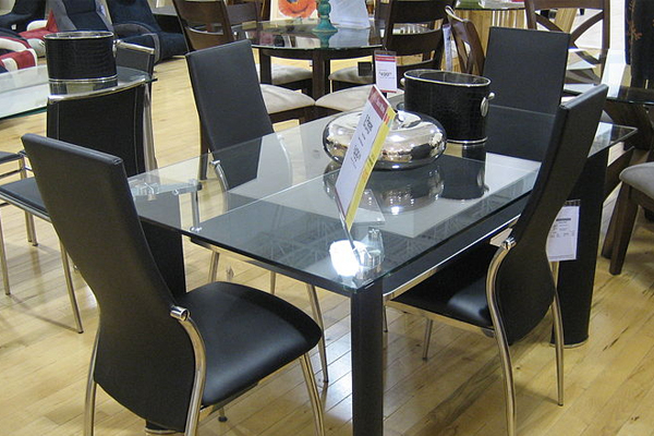 Home Mum Intended For Glass Top Condo Dining Tables (#15 of 20)