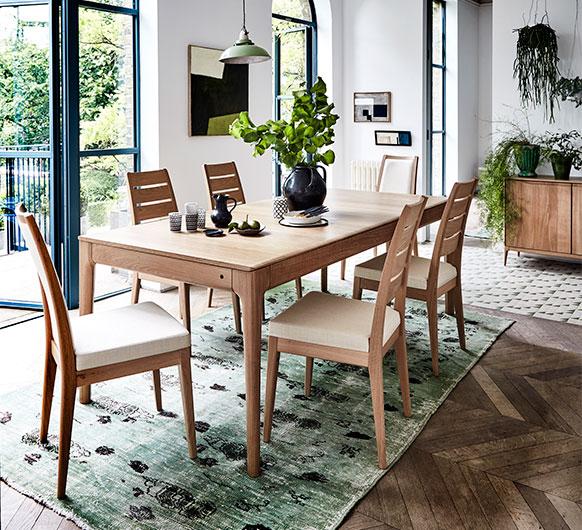 Popular Photo of Medium Dining Tables