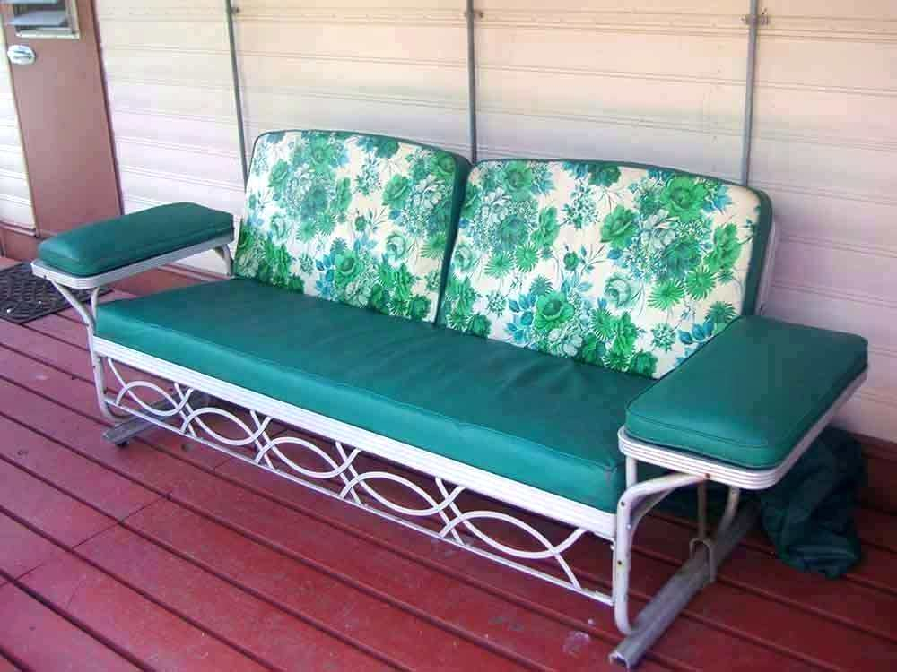 Patio Double Glider – Sigpot In Speckled Glider Benches (View 9 of 20)