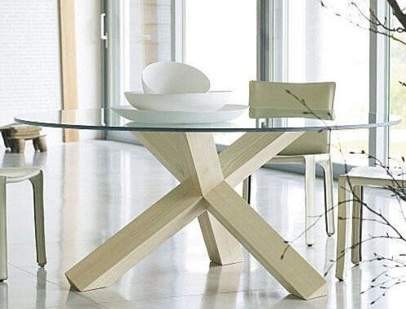 Round Glass Top Dining Table With Wooden Legs (View 4 of 20)