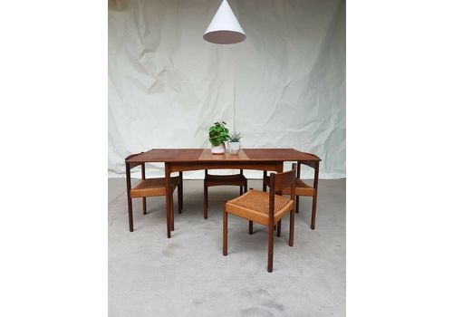 Rustic Mid Century Modern 6 Seating Dining Tables In White And Natural Wood Intended For Preferred Vintage Dining Tables & Chairs (#15 of 20)