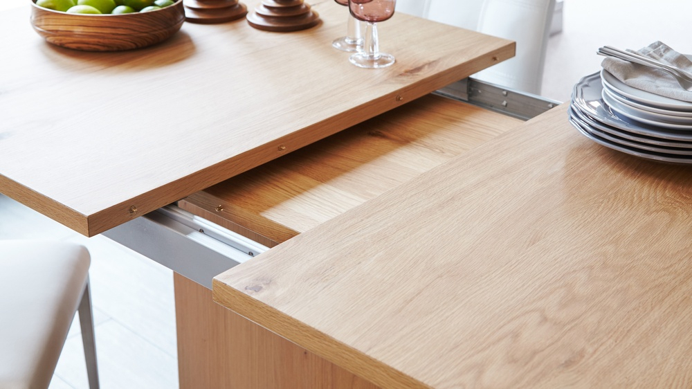 Sanza Oak Extending Dining Table Intended For Newest Extension Dining Tables (View 5 of 20)